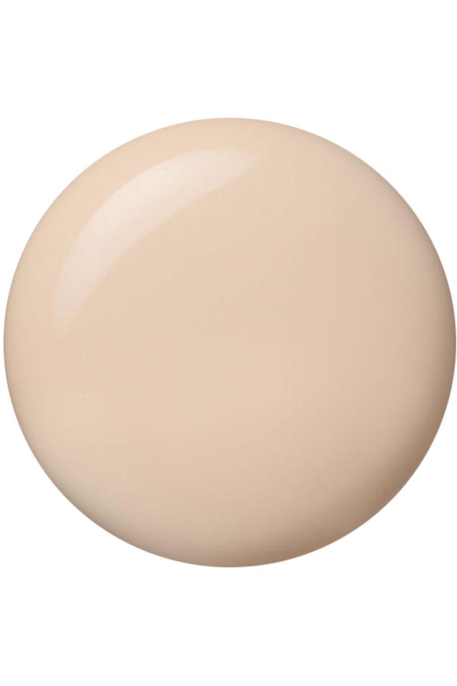 Blissim : Paul & Joe - Base de Maquillage Hydratante - Dragée 01