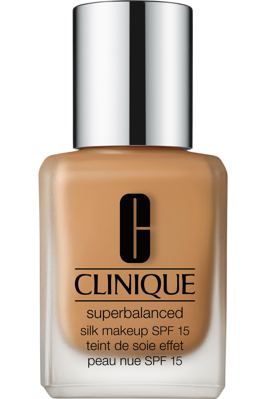 Blissim : Clinique - Fond de teint peau nue Superbalanced Silk SPF15 - 07 Silk Sahara