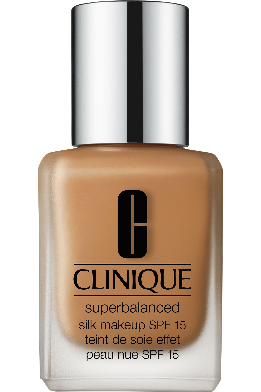 Blissim : Clinique - Fond de teint peau nue Superbalanced Silk SPF15 - 15 Silk Nutmeg
