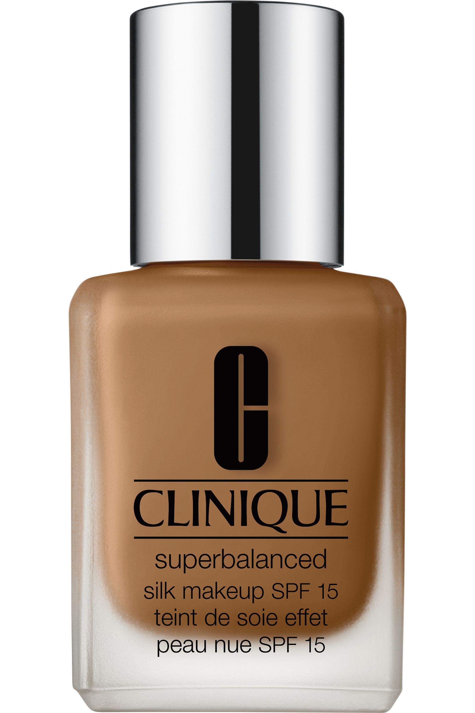 Blissim : Clinique - Fond de teint peau nue Superbalanced Silk SPF15 - 17 Silk Cinnamon