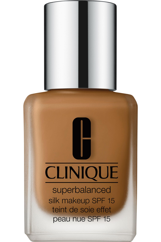 Blissim : Clinique - Fond de teint peau nue Superbalanced Silk SPF15 - 18 Silk Sable