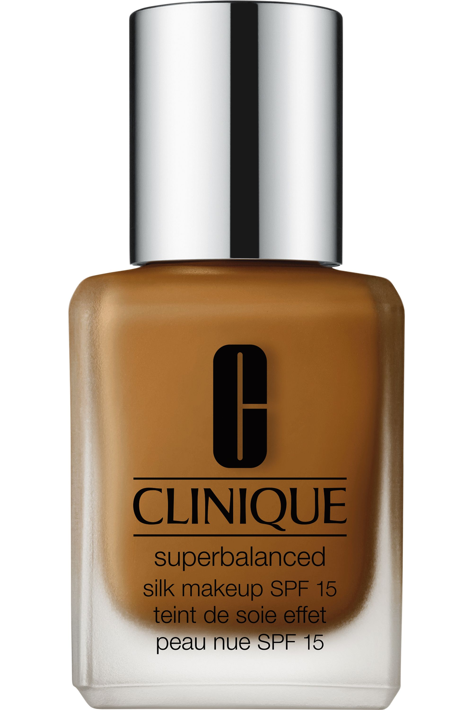 Blissim : Clinique - Fond de teint peau nue Superbalanced Silk SPF15 - 19 Silk Brandy