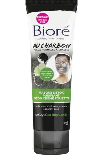 Masque détox purifiant façon crème fouettée au charbon